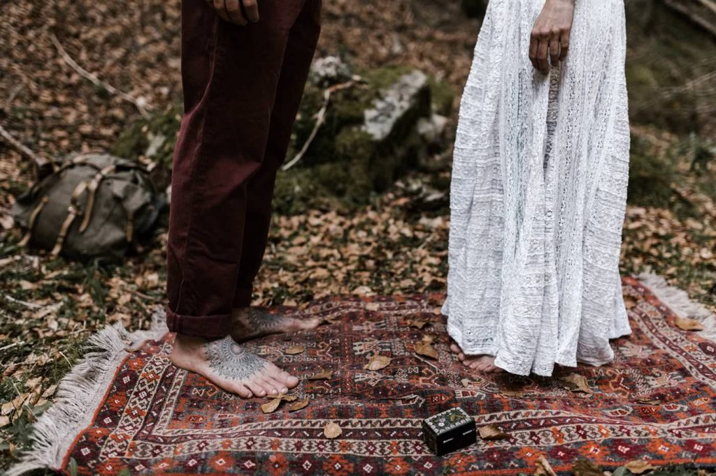ceremony road trip wedding Yoris photographe elopement folk